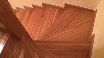 Escalera forradas de parquet laminado y de madera maciza