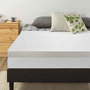 Foto de Best Mattress for Stomach Sleepers