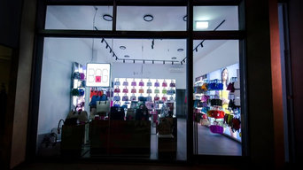 Retail Store: Save My Bag