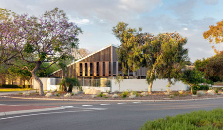 Houzz Tour: A House on a Roundabout Made for Ageing in Place