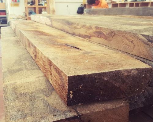 Tavolo alex in legno massello di castagno stagionato for Tavolo alex b b
