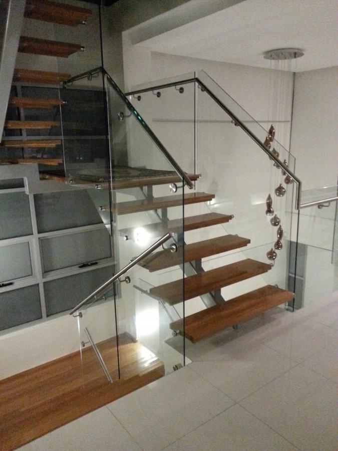 Fish bone stair & Frameless Balustrade