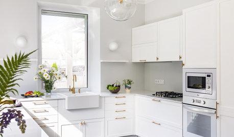 Проект недели: Белая кухня в доме у озера