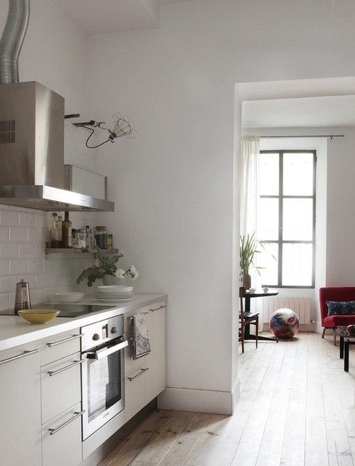 Dise o las paredes de la cocina con o sin azulejos for Diseno de banos con guardas verticales