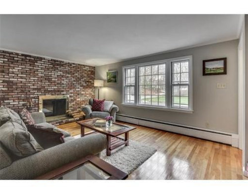 Color For A Living Room With Brick Wall
