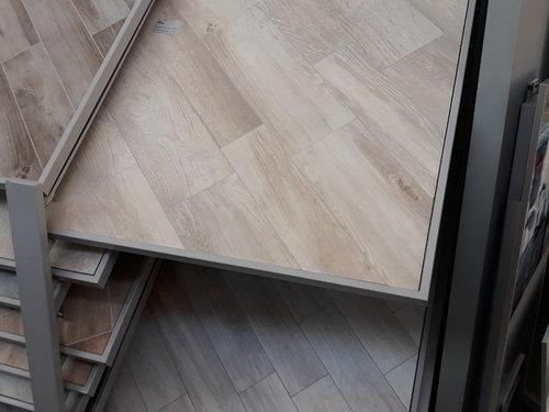 Piastrelle Effetto Legno Tortora : Porte da abbinare a gres porcellanato effetto legno