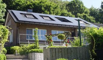 Dacheindeckung mit Biberdachziegeln und Solaranlage