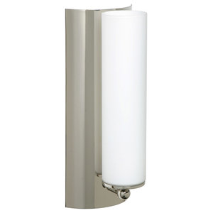 Metro 1 Light Wall Sconce in Polished Nickel