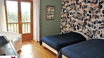 Une chambre fleurie par un papier peint Ressources