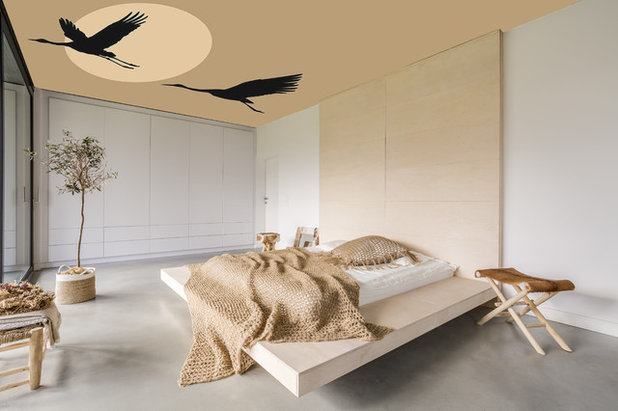 The Custom Wallpaper Design On Ceiling Of This Bedroom Is Perfectly In Keeping With