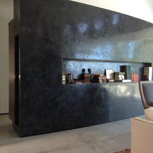 Example of a minimalist home design design in Orange County