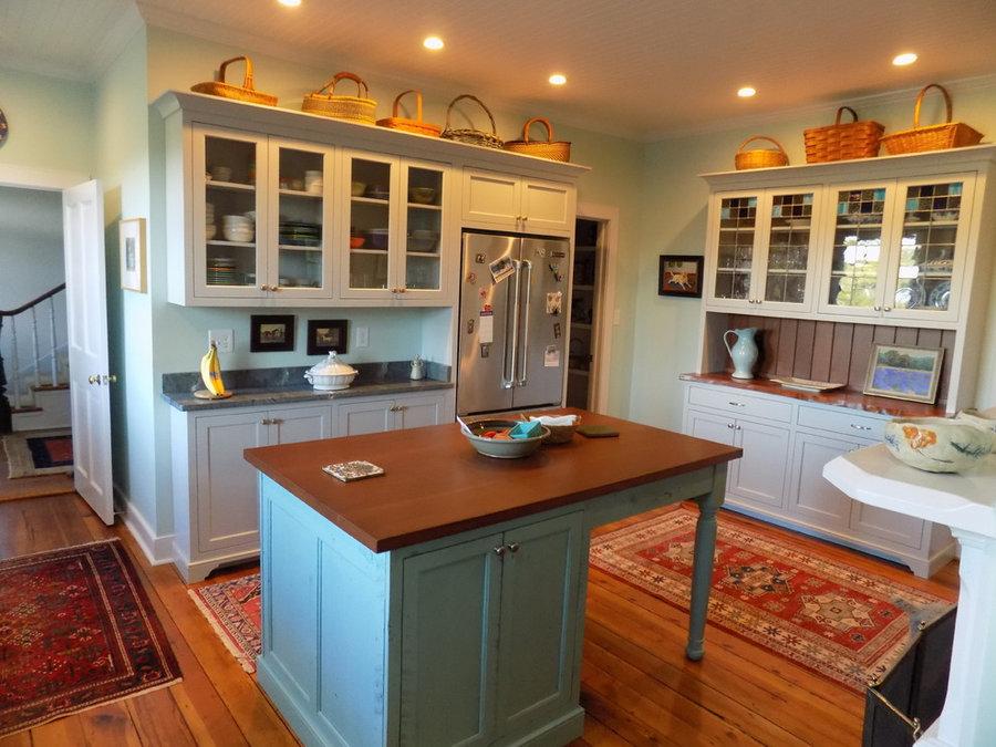 White Post Kitchen