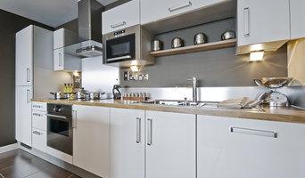 Prima Bianco: European Style Contemporary Kitchen by Fabuwood