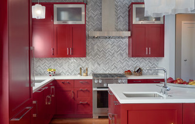Kitchen of the Week: Red Cabinets Wow in a Midcentury Modern Home