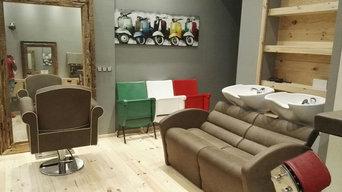 Sedie da cinema tricolore, realizzate per un barber shop