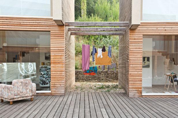 Contemporaneo  by Cristina Cusani