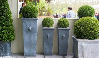 Lion Head Planters 120cm (£465) & 90cm (£395)