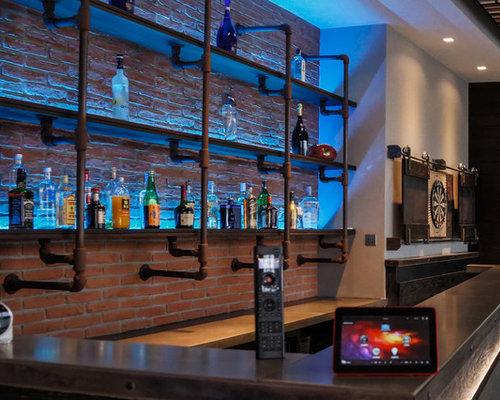 tr s grand bar de salon avec un chariot mini bar photos et id es d co de bars de salon. Black Bedroom Furniture Sets. Home Design Ideas