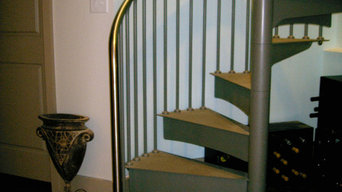 Modern Steel Spiral with Stainless Steel Top Rail and Abrasive Treads - Duvinage