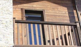 Балкон из массива сосны