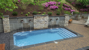 Pool with Bluestone Retaining Wall and Pavers