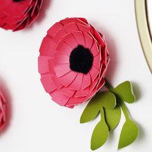 DIY : Décorez vos murs en fabriquant de jolies fleurs en papier