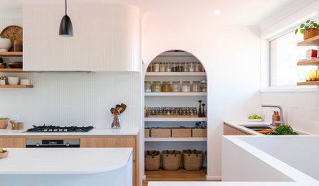 Before & After: A Zen-Like Kitchen With Curves Galore