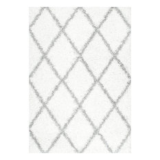 "Soft and Plush Diamond Trellis Moroccan Lattice Shag Rug, 6'7""x9'"