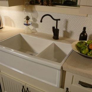 Modern Farmhouse Kitchen with Herbeau Double Farmhouse Sink