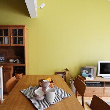 モデルハウス「黄色の壁の家」