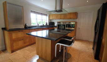 Large Bespoke The Traditional Furniture Co Used Kitchen