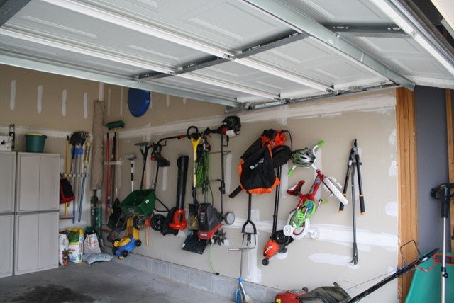 by Thrifty Decor Chick. 6 Garage Organizing Tips That Really Work