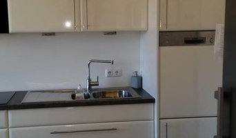 individuelle Küche mit Hochglanzfronten