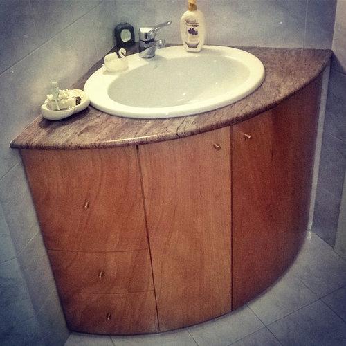 Mobile bagno angolare anta curva - Tolette e consolle per il bagno