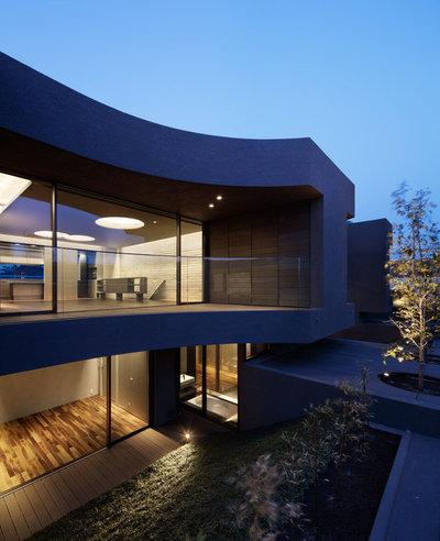 by Kotaro Ide / ARTechnic architects