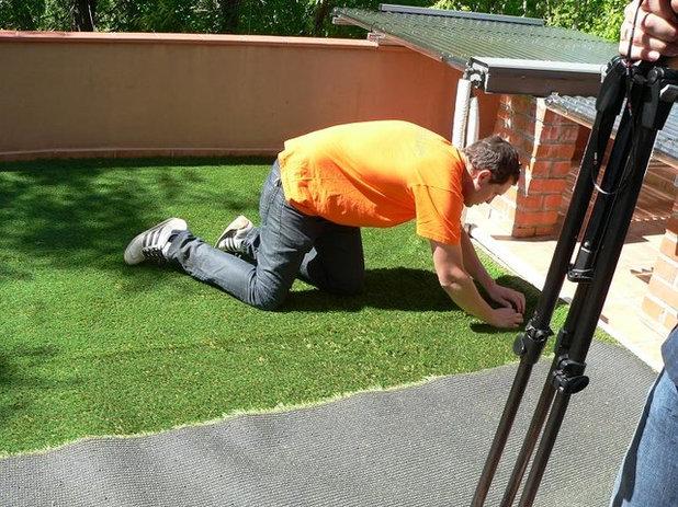 Aprende a colocar c sped artificial en la terraza - Colocar cesped artificial ...