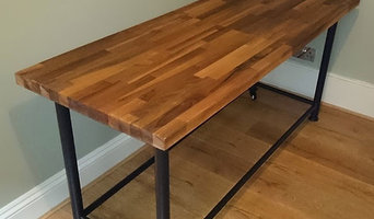 moveable wooden table