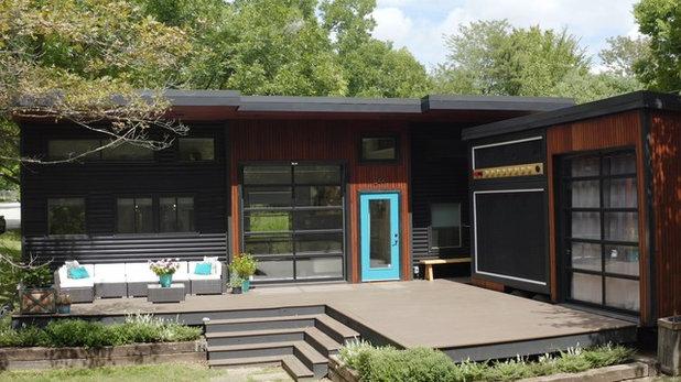Houzz Tour: Rock Musician's Tiny House Wakes Up the Neighborhood