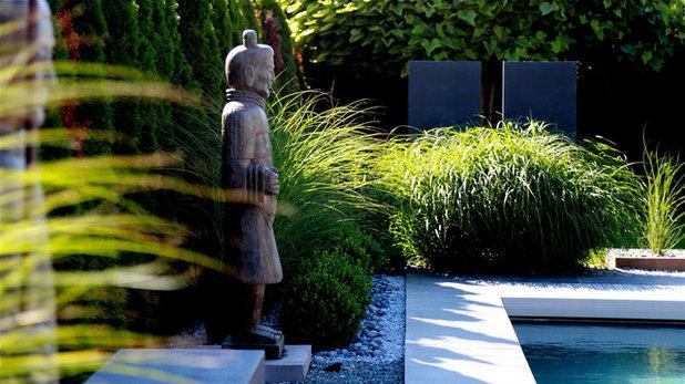 11 astuces pour int grer des statues son jardin. Black Bedroom Furniture Sets. Home Design Ideas