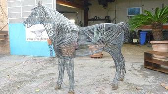 horse metallic sculpture