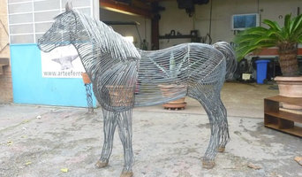 horse metallic sculpture