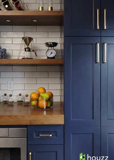 Transitional  by Ferrarini & Co. Kitchens & Interiors