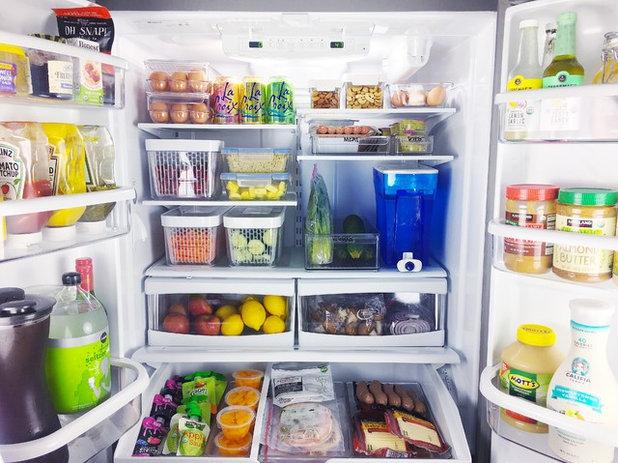 Modern Kitchen by organized simplicity