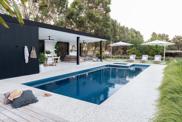 Contemporaneo Piscina by Outside In