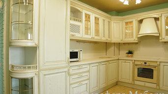 """Кухня встроенная. Фасадный декор - """"Ботичелли"""". Массив, Италия."""