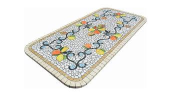Tavoli per esterni in mosaico di marmo