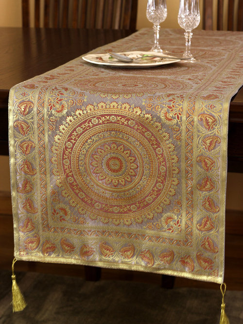 Ordinaire Elegant Table Runners   Table Runners