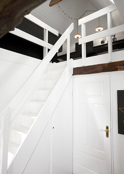 Modern Staircase by Design Circus