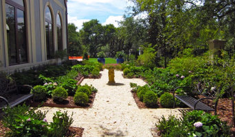 Residential Landscaping in Pinecrest
