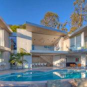 California Home w/Fleetwood Pocket Doors